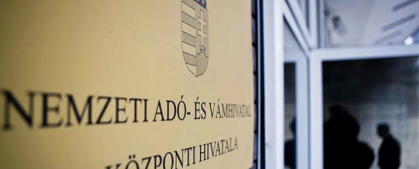Április 1-jétől minden számlát lát a NAV és szankcionálhat is
